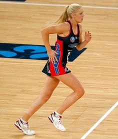 Moloney courting opportunities at Vixens - ONE of the strengths of the Melbourne Vixens this season is they seem to have great depth in virtually all positions across the court.
