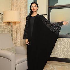 Repost @sheenofficial with @instatoolsapp ・・・ إكتشفي مجموعة الاطلالات الرائعة التي تقدّمها لكِ ش لعرض ريزورت 2018 في هذا الالبوم من الصور. #subhanabayas #fashionblog #lifestyleblog #beautyblog #dubaiblogger #blogger #fashion #shoot #fashiondesigner #mydubai #dubaifashion #dubaidesigner #dresses #capes #uae #dubai #abudhabi #sharjah #ksa #kuwait #bahrain #oman #instafashion #dxb #abaya #abayas #abayablogger #абая