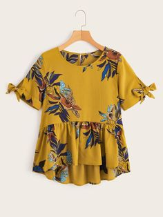Product name: Plants Print Knot Cuff Ruffle Hem Blouse at SHEIN, Category: Blouses Peplum Shirts, Shirt Blouses, Ruffle Fabric, Girl Fashion, Fashion Outfits, Fashion 2018, Summer Shirts, Plus Size Blouses, Blouses For Women