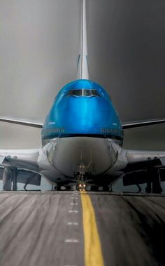 KLM Royal Dutch Airlines ______________________________ Boeing 747