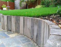 36 ideas sunken garden seating area retaining walls for 2019 Retaining Wall Patio, Sleeper Retaining Wall, Landscaping Retaining Walls, Patio Wall, Home Landscaping, Sunken Patio, Curved Patio, Slate Patio, Sunken Garden