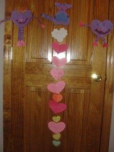 Day preschool Valentines Day C - Valentine Songs, Kinder Valentines, All Valentine Day, Valentines Day Background, Homemade Valentines, Valentines Day Treats, Valentine Day Crafts, Holiday Crafts, Valentines Day Crafts For Preschoolers