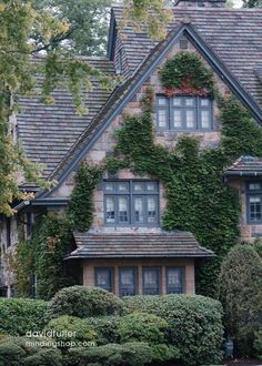 Beautiful Cottage Like Home Cozy Cottage, Cottage Homes, Cottage Style, Cottage Gardens, Future House, My House, Tudor Style Homes, Tudor House, Old Houses