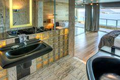 Clifton Rocks - En-suite bathroom to Master bedroom - Nox Rentals Cape Town holiday rental property Outdoor Dining, Dining Area, Cape Town Holidays, Open Plan Bathrooms, Clifton Beach, Shared Rooms, Holiday Apartments, Open Plan Living, Rental Property