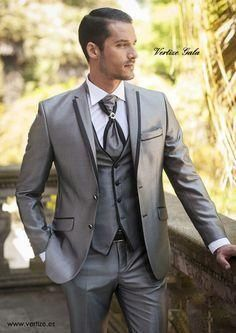 New Arrival Two Button Silver Gray Groom Tuxedos Groomsmen Mens Wedding Suits Prom Bridegroom (Jacket+Pants+Vest+Tie) NO:278