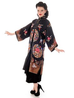 """Antique Vintage Chinese Coat Womens Silk Embroidered Coat 1920s 42"""" Bust"""