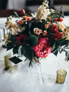 Centerpiece using rich tones
