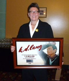 Canadian Music Hall of Fame inductee K.D. Lang wearing her pin. #mydaffodil