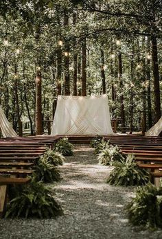 A beautiful ceremony in the open air will remain in your memory forever! We offer you the best ideas for rustic wedding venues for your wedding. Rustic Wedding Venues, Wedding Ceremony, Outdoor Rustic Wedding Ideas, Chattanooga Wedding Venues, Forest Wedding Venue, Wedding Isles, Unique Weddings, Marie, Wedding Planning