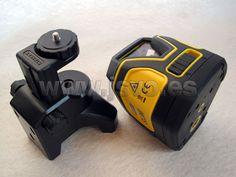 Nivel láser de línea autonivelante Stanley ® SLL360 - Ref.: STHT1-77137 - Incluye soporte, trípode y bolsa de transporte.  www.jsvo.es