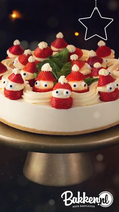 Christmas Deserts, Christmas Cocktails, Christmas Treats, Christmas Baking, Baking Recipes, Cake Recipes, Christmas Cake Designs, Party Food Platters, Just Cakes