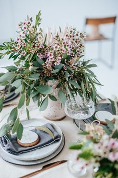 Beautiful Australian Christmas Inspiration - Polka Dot Bride Beautiful Australian Christmas Inspiration by Eclective Creative with native Australian flowers and a neutral colour palette with touches of silver.