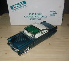 1955 Ford Fairlane Crown Victoria Custom, 1/24 Diecast, Danbury Mint DM0944 in…