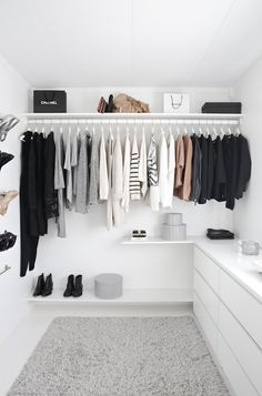 A FASHIONABLE HOME: MINIMAL + BRIGHT WALK-IN CLOSET (via Bloglovin.com )