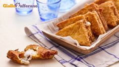 Mozzarella in carrozza - Charriot Mozzarella: Fried Bread and mozzarella