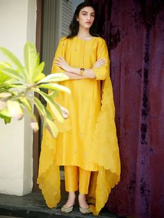 Yellow Hand Embroidered Chanderi Silk Kurta with Pants and Organza Silk Scalloped Dupatta - Set of 3 Silk Kurti Designs, Kurta Designs Women, Kurti Designs Party Wear, Salwar Designs, Pakistani Dresses Casual, Pakistani Dress Design, Pakistani Clothing, Dress Indian Style, Indian Dresses