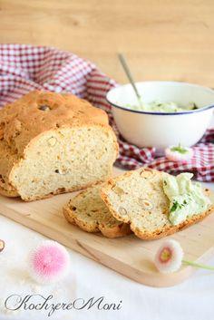 Haselnuss Möhren Brot