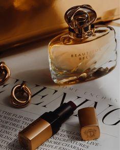 how to make perfume diy Love Makeup, Beauty Makeup, Simple Makeup Tips, Perfume Display, Hair Cleanse, How To Apply Lipstick, Ginger And Honey, Cosmetics & Perfume, Beautiful Perfume