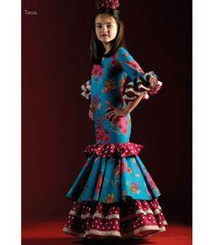 Traje de flamenca Trigal Flores Niña Abaya Fashion, Fishtail, Halloween Crafts, Cute Dresses, Kids Fashion, Mermaid, Disney Princess, Wedding Dresses, Style