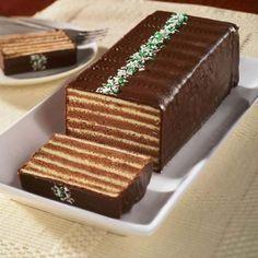 Torte s ukusom leta Date Recipes Baking, Sweets Recipes, Cake Recipes, Food Cakes, Cupcake Cakes, Dobos Torte Recipe, Romanian Desserts, Rafaelo Cake, Waffle Cake