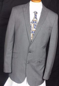 Kenneth Cole Reaction Men's Gray Birdseye 2 Button Polyester Blend Suit Size 42L #KennethColeReaction #TwoButton