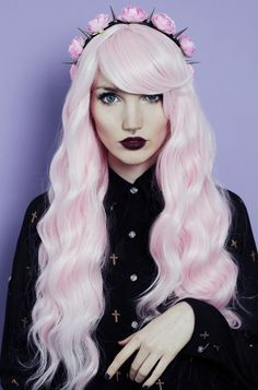 A pastel goth portrait of a woman with pastel pink hair, septum piercing and pastel gothic makeup Punk Pastel, Pastel Goth Fashion, Pastel Grunge, Pastel Goth Hair, Soft Grunge, Gothic Fashion, Ombré Hair, Wavy Hair, Emo Hair