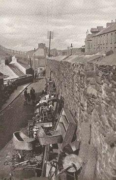 Walls of Derry - images taken the & : The Spirit of Ireland by Lynn Doyle Old Irish, Irish Celtic, Derry Ireland, Derry City, Ireland Travel, Ireland Map, Images Of Ireland, England Ireland, Irish Culture