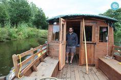 Location Bateau à moteur à Guipry-Messac - Max Pannier Toue Catamaran, Location Bateau, Shanty Boat, Construction, Floating House, Boat Stuff, Houseboats, Home Landscaping, Camper