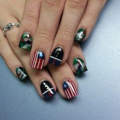 Image via of July nail designs Image via Nails to DIY For: 20 Nail Art Tutorials for Summer 2015 Image via Patriotic Nails - Fourth of July Nail Art Usmc Nails, Military Nails, Marine Nails, Military Life, Patriotic Nails, 4th Of July Nails, Nagel Gel, Blue Nails, Manicure And Pedicure