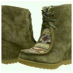Sbicca Neat Aztec Suede Wedge Ankle Boots 7.5 NWB SBICCA is brand. NEAT is style name. new w/box..box might be a bit bunged up from having other boxes stacked on top of it.. SZ 7.5 Msrp $145 Color on box is Khaki IMO a brownish, olive greenish, greyish , tanning shade , since color is often subjective u might think color diff than I do. Aztec tribal inset, wallabee like sole, suede as per brand description Price is neg pls use offer button not comments Thank you Sbicca Shoes Ankle Boots…