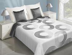Dwustronne narzuty koloru białego do sypialni na łóżko z szarym wzorem