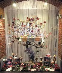 Resultado de imagen para vidrieras navideñas de negocios Christmas Tree, Holiday Decor, Painting, Home Decor, Art, Blog, Ideas, Miniatures, Sweets