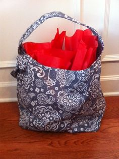 Thirty one brand reversible bag. Giveaway 3/15 Open WW