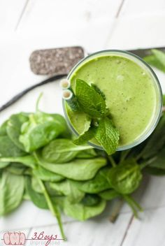 Green smoothie recipes 706713366509185253 - Add Lean to bottom layer-Vanilla Mint Green Smoothie – Pretty Little Apron Source by iwishiwasamuffin Mint Smoothie, Green Smoothie Recipes, Healthy Smoothies, Smoothie Packs, Vegetable Smoothies, Soft Food For Braces, Braces Food, Eating After Tooth Extraction, Diet Recipes