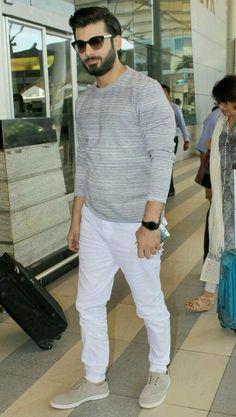 Fawad Khan Cozy Fashion, Star Fashion, Fawad Khan Beard, Handsome Indian Men, Mens Traditional Wear, Kapoor And Sons, Wedding Dresses Men Indian, Pakistani Models, Pakistani Actress