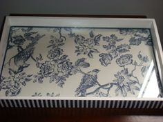 Bandeja-(fabric under glass frame) Home Crafts, Fun Crafts, Diy And Crafts, Stencil Painting, Painting On Wood, Painted Trays, Decoupage Box, Pintura Country, Handmade Christmas Gifts
