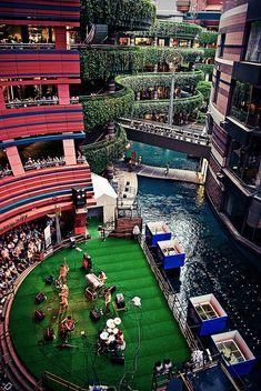 Canal City, Fukuoka, Japan this place is amazing!