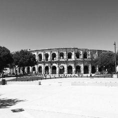 Une courte visite à Nîmes. A l'arène il se passe rien actuellement.  #nimes #feelfrance #feelgourmand #feelcamargue #südfrankreich #suddelafrance #travelblogger #reiseblog