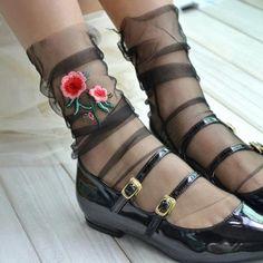 Leg Fastive Çiçek Nakışlı Kristal Tül Kısa Çorap Siyah