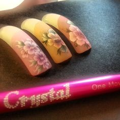#onemove  #painting #micropainting #nonsolounghie #nail #nails #nailsart #ricostruzioneunghie #crystalnails #crystal #onestroke #pittura #acrilico #gek #aprilia #coconails #tip #pinsel #pennelli #cinese #beauty #fashion #model #makeup #bouquet #fiori #foglie #pink #Padgram