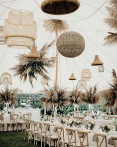 A marquee wedding reception with mixed bohemian chandeliers and dried foliage towers? We're at a loss for words 😮 Bohemian Wedding Decor Marquee Wedding Receptions, Beach Wedding Reception, Rustic Wedding, Wedding Venues, Reception Ideas, Wedding Ceremony, Wedding Backyard, Wedding Bride, Wedding Shoes