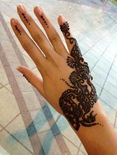 Henna ~ Mendhi    Hand