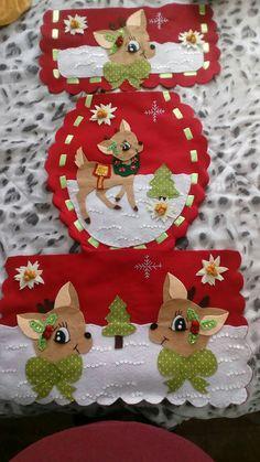 Navideño Christmas Clay, Felt Christmas Ornaments, Unique Christmas Decorations, Holiday Decor, Bathroom Crafts, Decoupage, Christmas Crafts, Merry, Diy Crafts