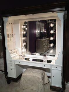 Furniture, Black Makeup Table With Lighted Mirror And Small Fabric Bench #Makeup Vanity Table with Light # jewelry storage #woman +++ Tocador para maquillar mujer con luz y cajones y colgadores como joyero Collares pulsera pendienes a mano facil de coger y tener ordenado