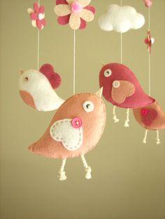 ✄ A Fondness for Felt ✄  DIY craft inspiration:  felt bird mobile