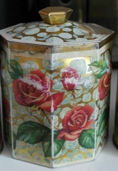 :) Vintage Tins, Polka Dot, Jar, Home Decor, Homemade Home Decor, Jars, Decoration Home, Glass, Polka Dots