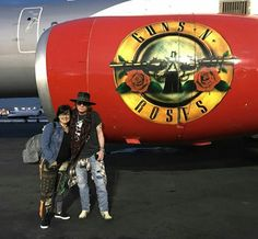 Axl Rose e Beta Lebeis Guns N Roses, Axl Rose 2016, Velvet Revolver, Greatest Rock Bands, This Is Love, Rock Legends, Most Beautiful Man, Great Bands, American Singers
