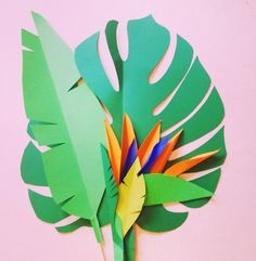 Shooting time again! Botanic Papercrafting for the awesome Lovemag DIY magazine! Diy Paper, Paper Home, Paper Art, Diy Jungle Decorations, Tropical Party Decorations, Birds Of Paradise Flower, Bird Of Paradise Wedding, Flower Crafts, Diy Flowers