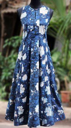 wear them long: kurtas & anarkalis Salwar Designs, Kurta Designs Women, Blouse Designs, Pakistani Dresses, Indian Dresses, Indian Outfits, Casual Dresses, Fashion Dresses, Indian Attire