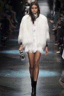 Roberto Cavalli Ready-To-Wear, Милан Коллекция Осень-зима Couture Fashion, Runway Fashion, Fashion Show, Womens Fashion, Milan Fashion, Fashion 2016, Fashion News, Fall Fashion, Fashion Outfits